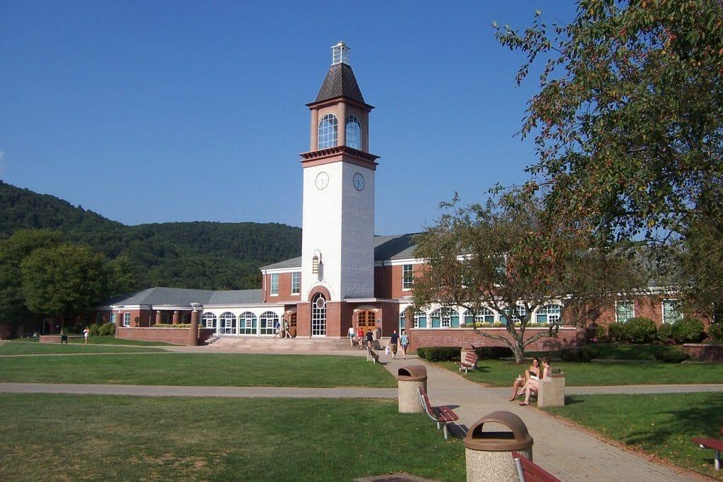 Quinnipiac University Accreditation Applying Tuition
